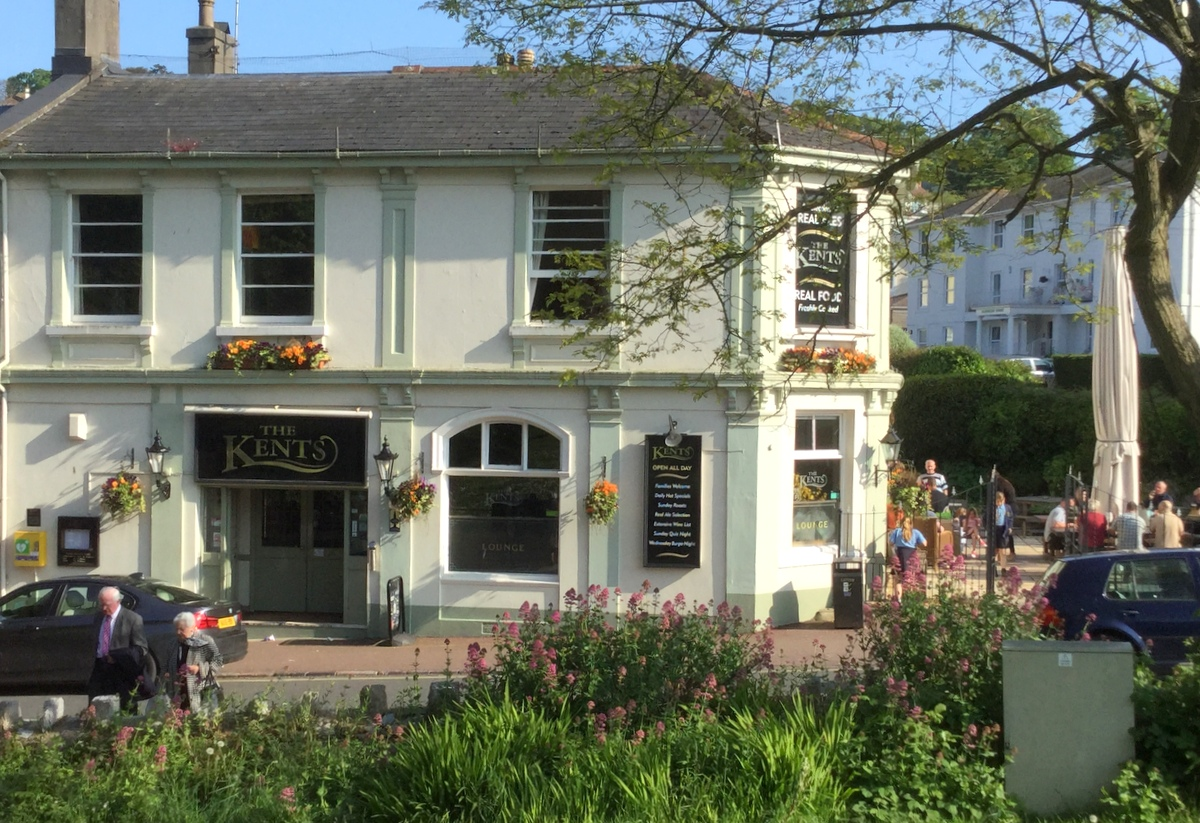 Kent's Pub, Torquay - Dog friendly place to drink and eat.
