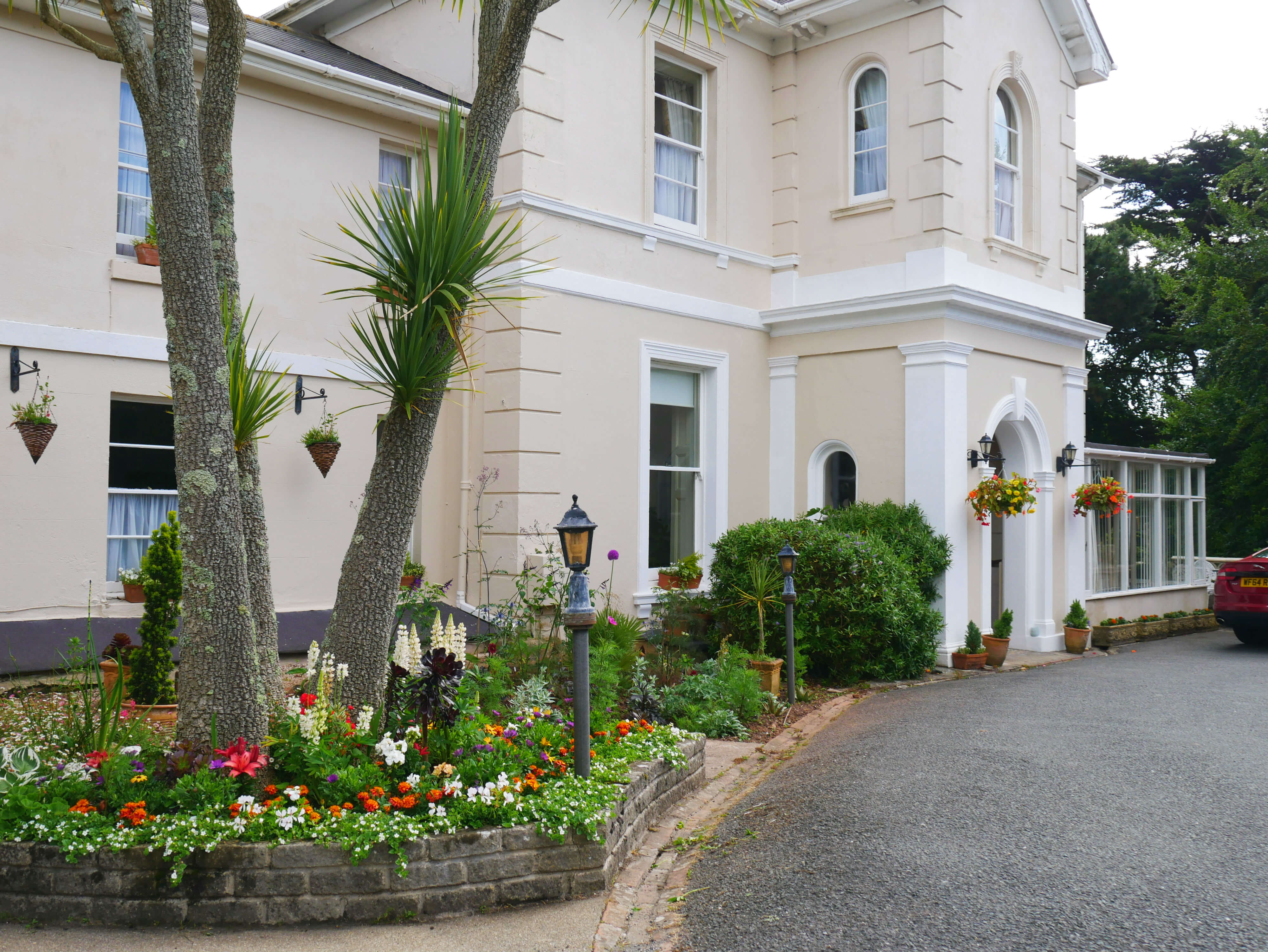 The Muntham Holiday Apartments - Dog Friendly Accommodation in Torquay.