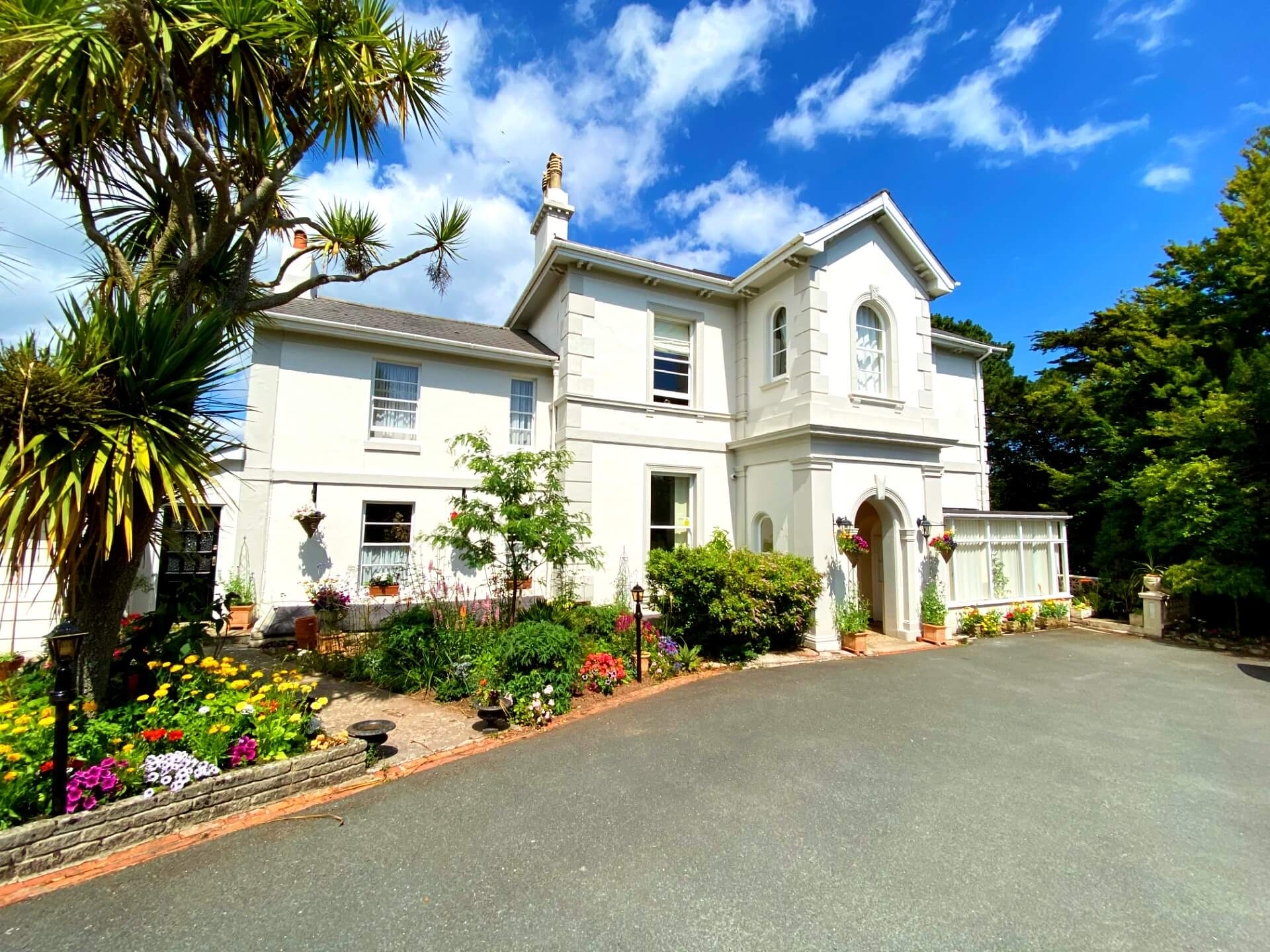 The Muntham Luxury Holiday Apartment and Town House - Dog Friendly Accommodation in Torquay