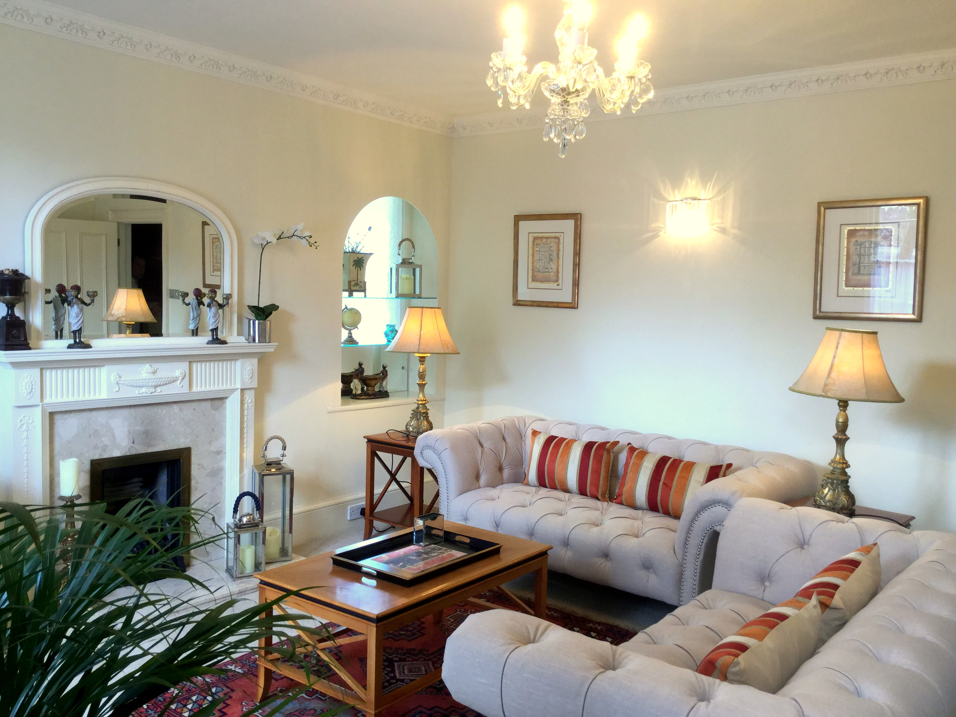 The sitting room of The Muntham Townhouse in the Wellswood area of Torquay